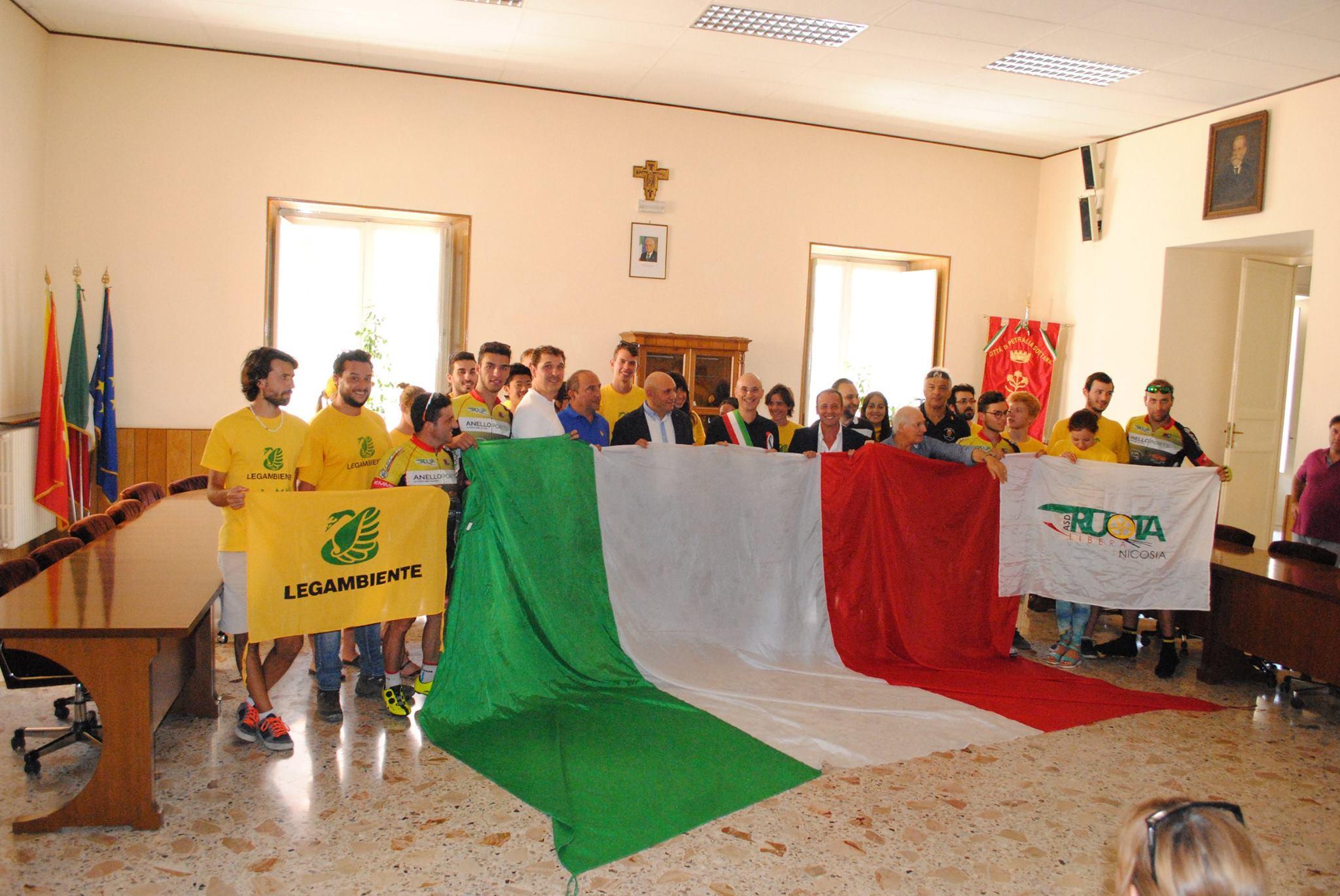 Il Giro arriva a Petralia Sottana, in provincia di Palermo, nel cuore del Parco delle Madonie